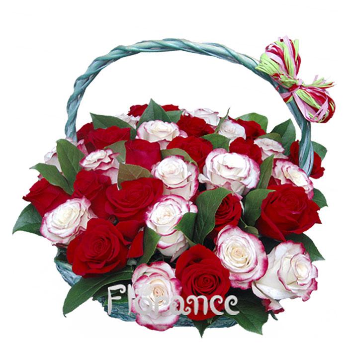 Корзина из 31 розы