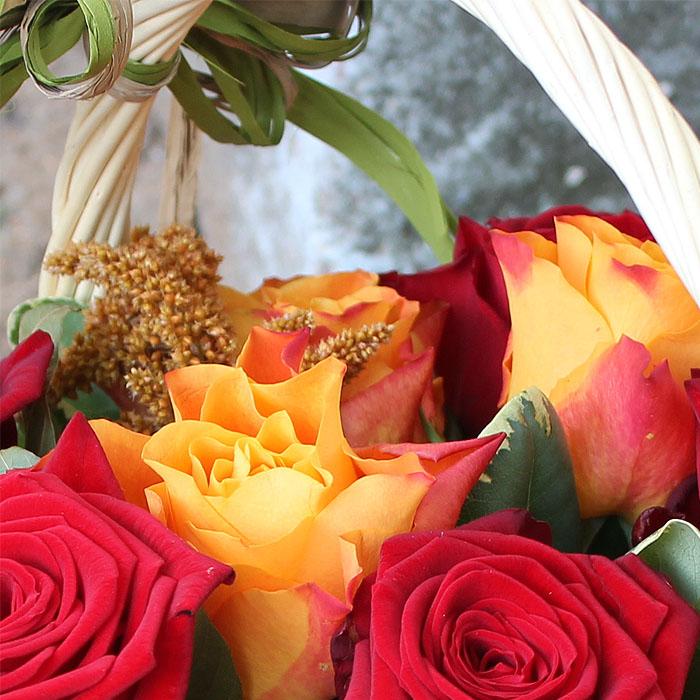 фото 3: Корзина с розами