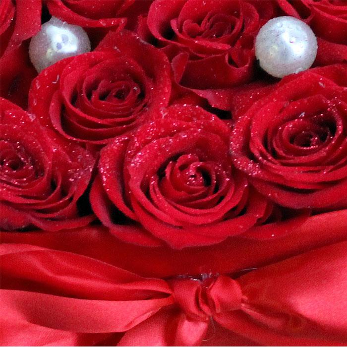 фото 1: Сердце из 33 красных роз
