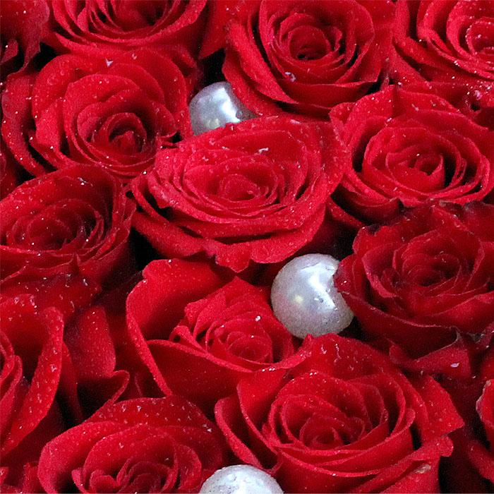 фото 2: Сердце из 33 красных роз