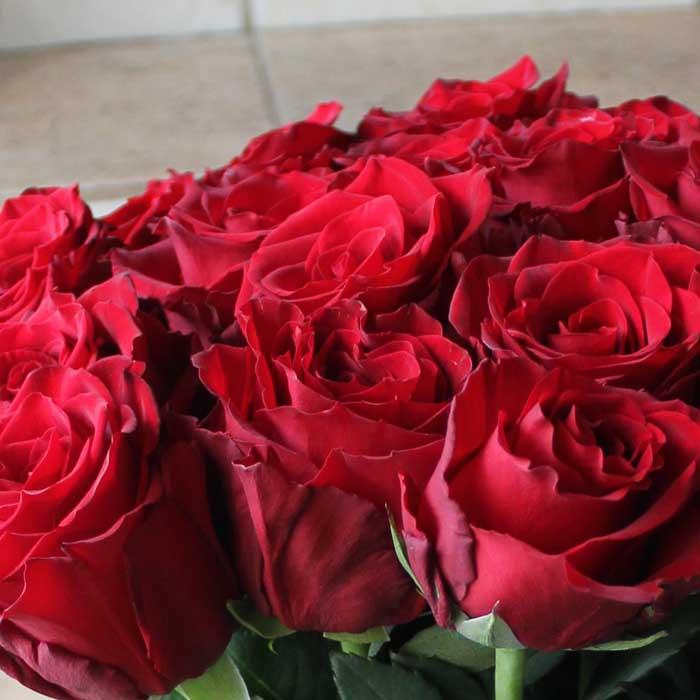 фото 2: Букет из 25 красных роз