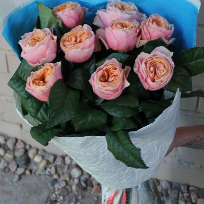 фото 2: Букет из пионовидных роз